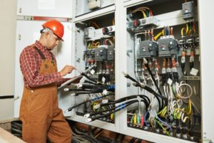 All Current Electric top 7 reasons to hire a licensed electrician in kansas city
